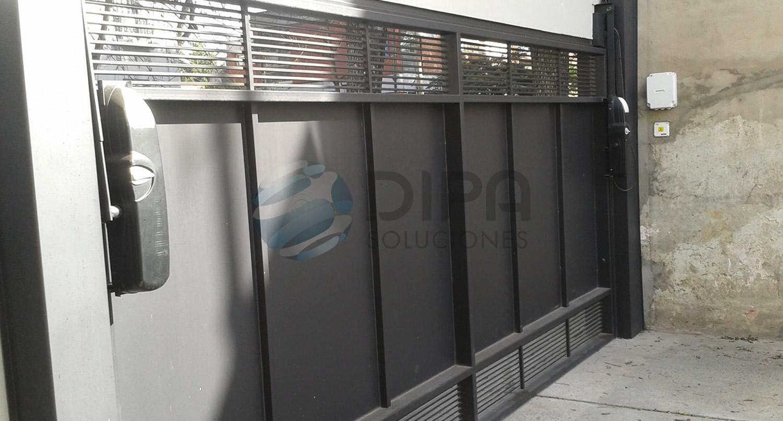 Dipa soluciones puertas portones y rejas for Fotos de puertas de metal
